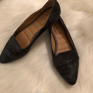 NEW Me Too Andi flats for comfort and style gray